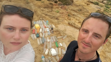 Daniel & Emily (Marine Biology Life) always use expeditions to raise awareness of wider conservation isuues, such as the threat of ocean plastics. © Emily Cunningham